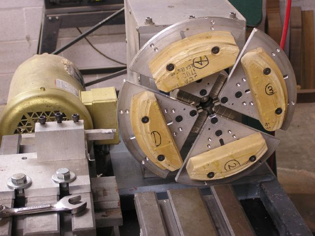 Lathe jaws for banjo rim mounted on lathe